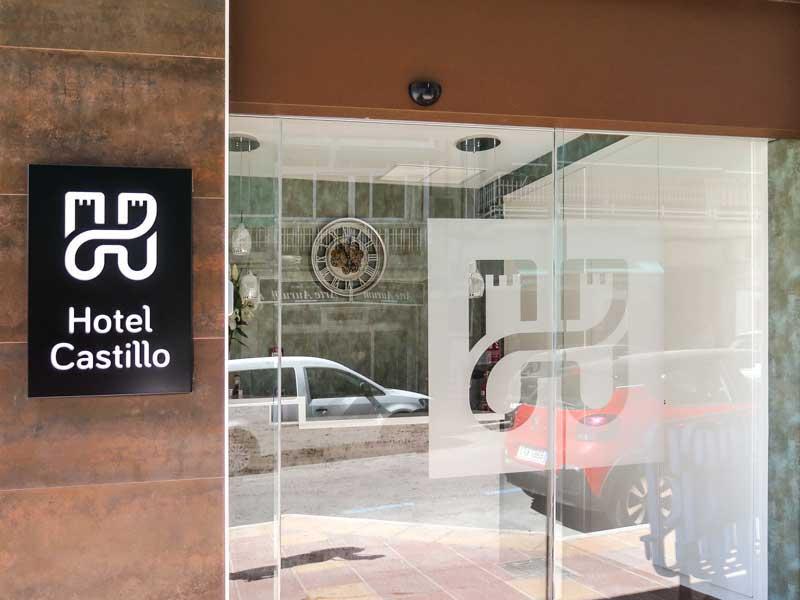 rotulos_benidorm_villajoyosa_altea_placa_luminosa_hotel_castillo_2